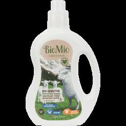 Biomio. Bio-Sensitive экологичное жидкое средство для стирки деликатных тканей с экстрактом хлопка биомио, концентрат, без запаха 1.5 л